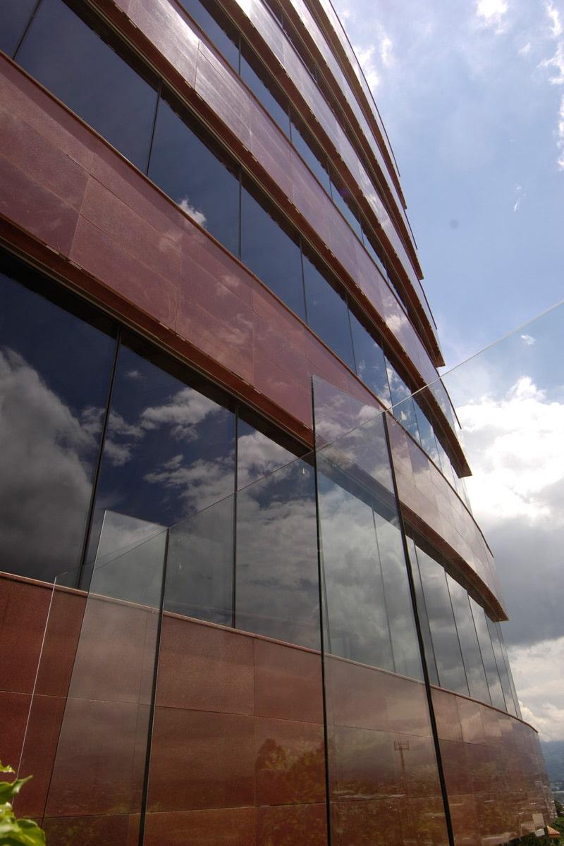 Vidrios especiales de control solar