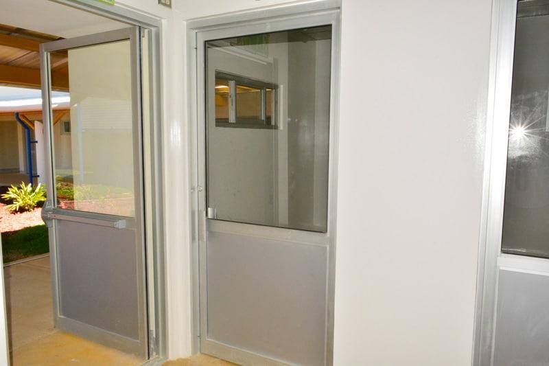 Sistema de puerta abatible estilo puerta de lujo