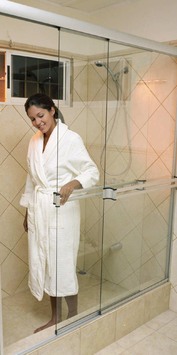 Con puertas para baño Océano, su baño lucirá moderno y elegante.